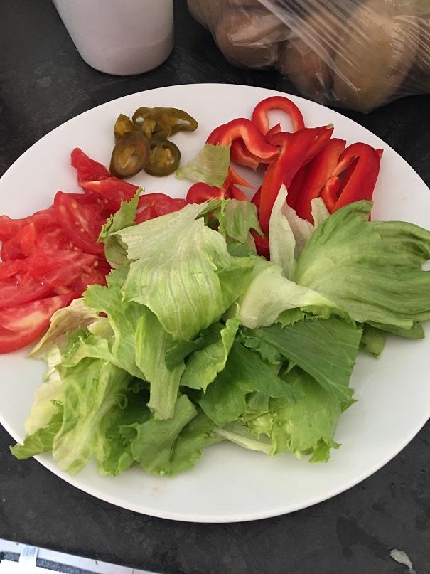 FIT Tortilla z kurczakiem i sosem czosnkowym