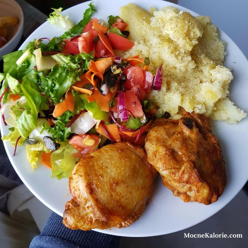 Dietetyczne Udka Z Kurczaka Z Chrupiaca Skorka Mocne Kalorie