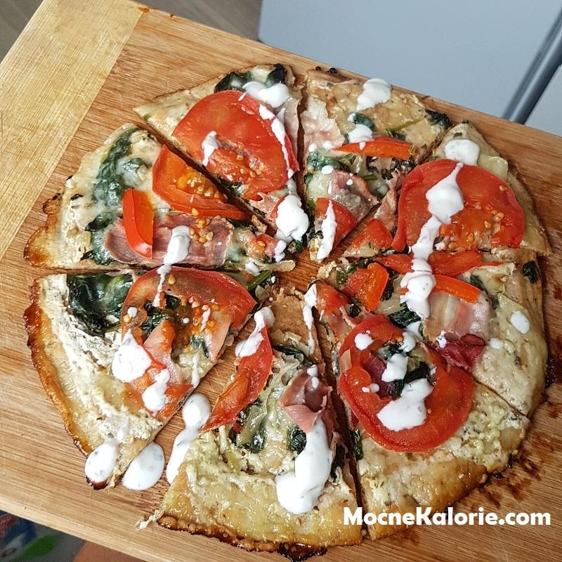 Biała fit pizza z patelni