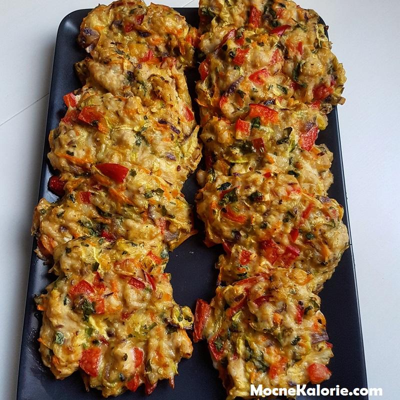 Placuszki drobiowe z warzywami i serem